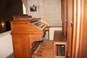 Console de l'orgue de St Thibéry
